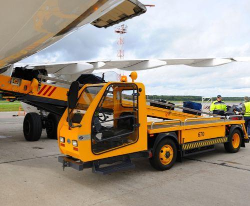 Самоходный транспортер самолет транспортер